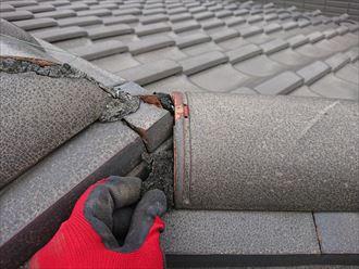瓦と瓦の隙間の詰め物は詰め直してメンテナンス