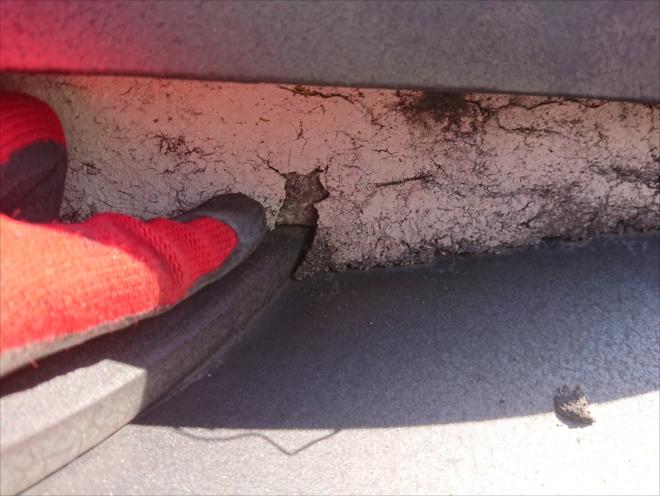 鎌倉市西鎌倉での陶器瓦屋根調査、漆喰の剥がれが雨漏りの原因になる前に漆喰詰め直し工事で不安を解消しましょう