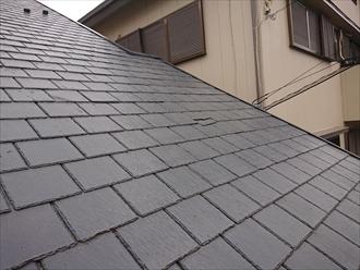 屋根材は旧クボタが販売していたアーバニーと呼ばれるスレート屋根材でした
