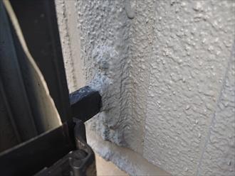デンデンも最近外壁塗装されているようで塗料がのってしまっており、デンデンも交換すると外壁と色が変わってしまいます。デンデンもこのままで部分的に交換するのが一番の様です。