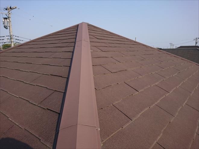 一見塗装も問題なく行えそうなスレート屋根