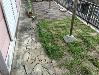 雨樋からも水漏れが続くことで地面が破壊された