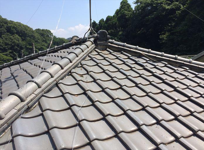 瓦屋根も定期的にメンテナンスが必要です