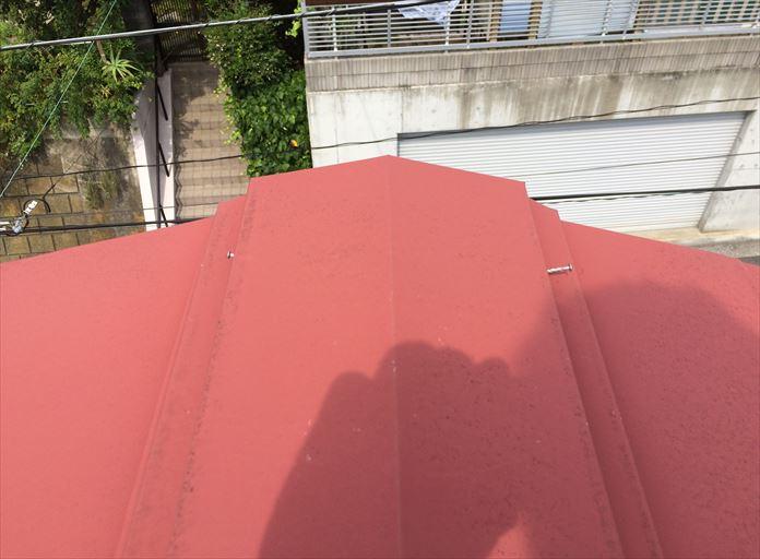棟板金の釘の原因は板金内部の貫板