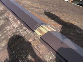 横浜市旭区笹野台にて強風で外れた棟板金の部分交換工事を行いました