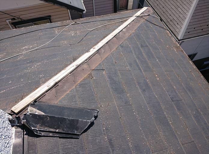 棟板金が飛ばされてしまったしレート屋根