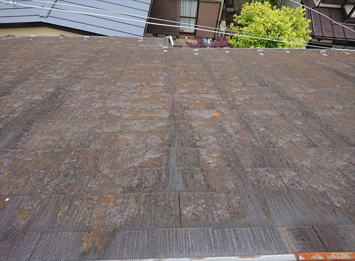 傷み過ぎたスレート屋根の調査
