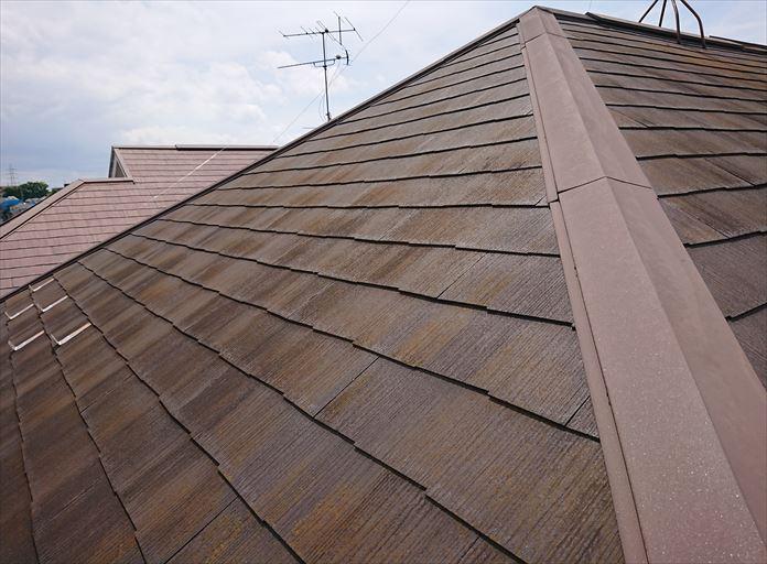使用年数の経過により傷んだスレート屋根