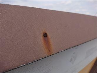 屋根を固定している釘の錆び