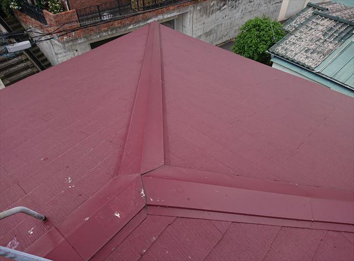 綺麗なスレート屋根なのに雨漏りしている
