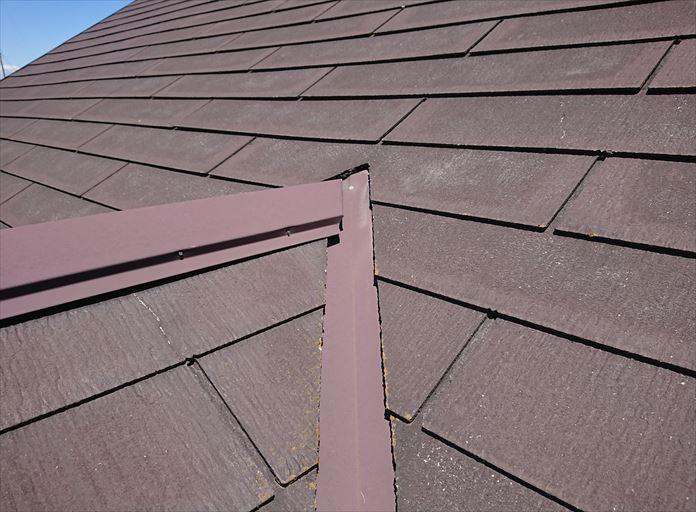 スレートは割れやすい屋根材です