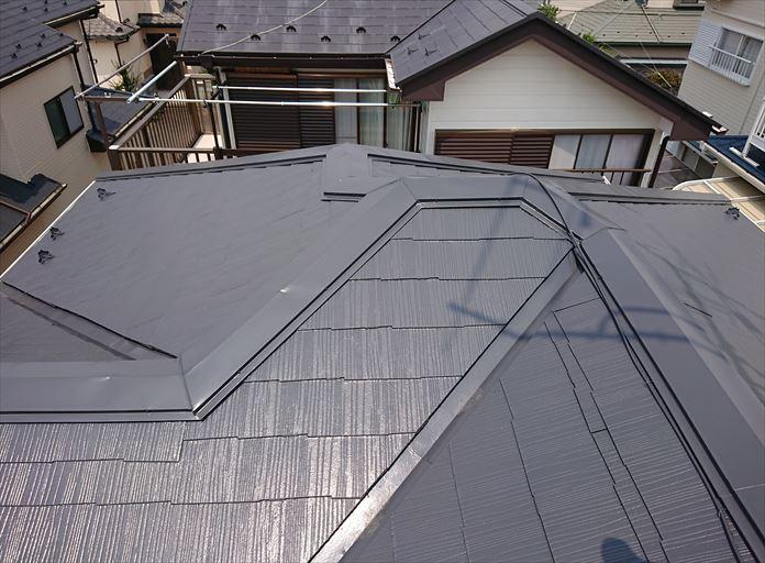 見た目は何ともないが雨漏りしているスレート屋根