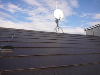 新たになった屋根の様子、シェイドブラックのスーパーガルテクトがいい風合いです