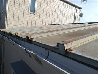 板金屋根は錆びすぎる前に塗装でメンテナンス