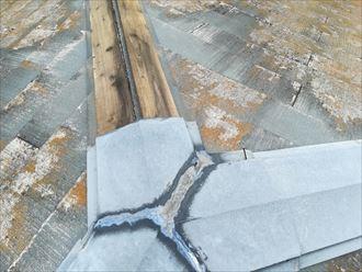 寒川町岡田で棟板金が飛散、屋根に関わる部分的な工事も承ります