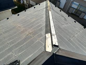不具合が生じた屋根の棟板金