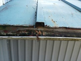 下地が傷んでいたら屋根葺き替え工事