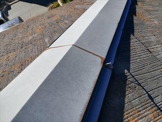逗子市小坪で調査したスレート屋根は、スレート以外にも傷みが出ておりました