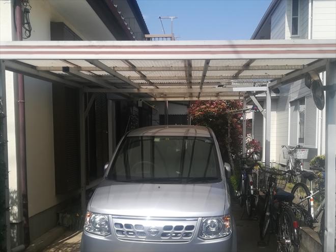 駐車場スペースの屋根