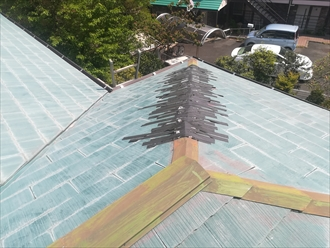 横浜市中区本郷町にて屋根の隅棟(差し棟仕様)の飛散調査