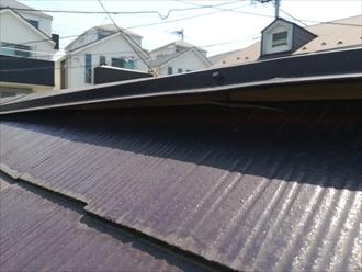 屋根棟板金の浮き箇所