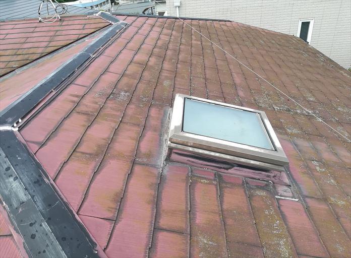 過去に塗装をしたスレート屋根を調査