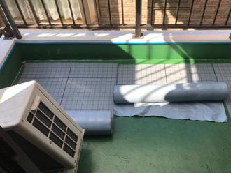 愛甲郡清川村煤ヶ谷 バルコニー床の防水工事 通気緩衝シート設置