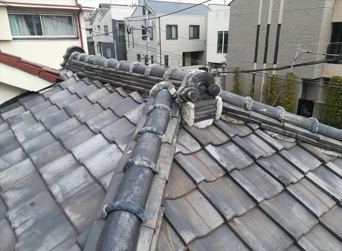 瓦屋根の使用されている鬼瓦の点検