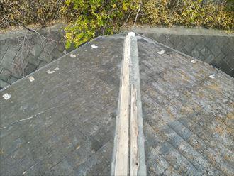原因は板金内部に取り付けてある貫板と呼ばれる木材の腐食
