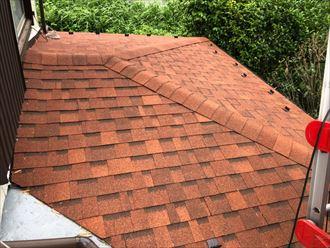 茅ヶ崎市萩園でオークリッジスーパーを使用した、以前と比べて色鮮やかになる屋根葺き替え