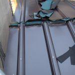 秦野市柳町にて劣化した縦葺き屋根をカバールーフ455を使って屋根葺き替え工事