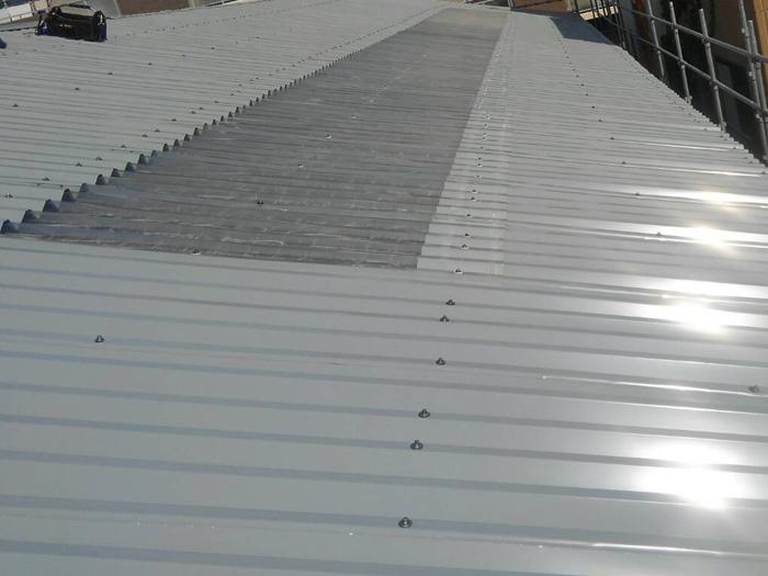 三浦市初声町高円坊 波板スレートから折板屋根への交換工事