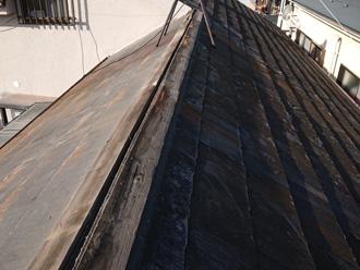 綾瀬市深谷上 棟板金交換工事 古い棟板金を撤去