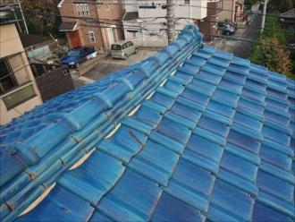 屋根の異常が近隣の方からの指摘で知る事も多い