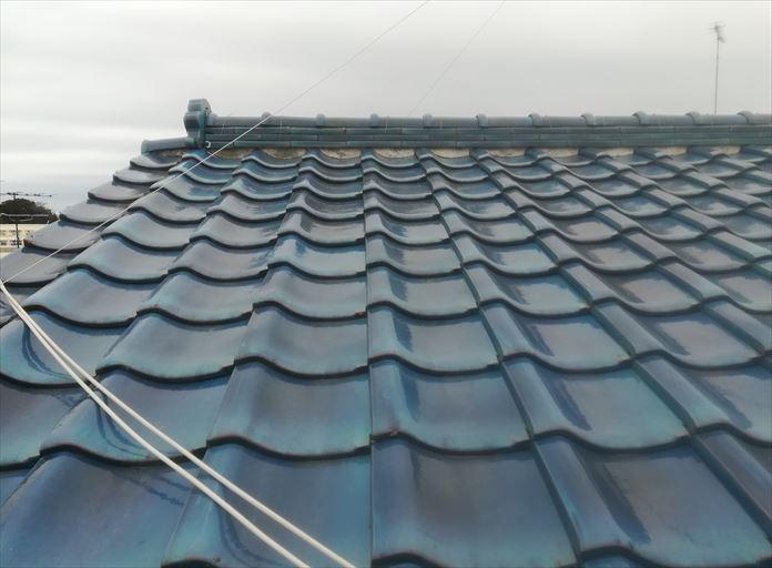 粘土瓦を使用した瓦屋根を点検