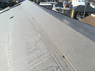 過去に塗装をしてあるスレート屋根でした