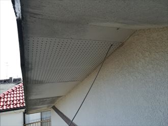 軒天は重ね張りや板金でメンテナンスが可能です