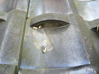 屋根に落ちていたのは瓦屋根に使用された詰め物でした