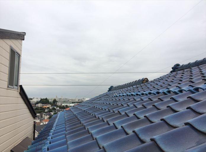 瓦の不具合は屋根上って点検