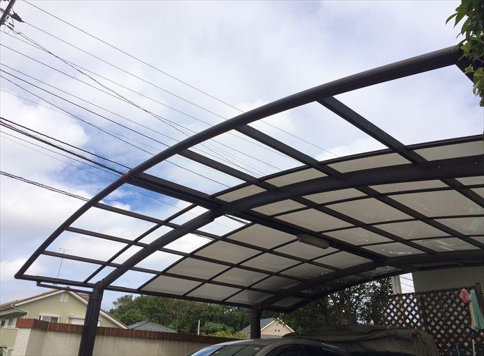 海老名市国分北で破損したカーポートを点検、屋根材の交換で復旧可能でした