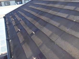 伊勢原市見附島 塗装前のスレート屋根は表面がざらついている