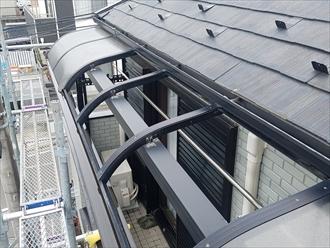 ベランダ屋根パネルの飛散箇所