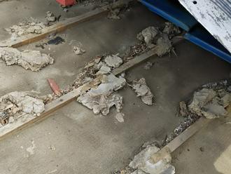 三浦市初声町下宮田 天井からの雨漏り屋根葺き直し工事 防水紙交換前