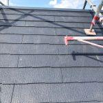 横須賀市坂本町にて苔や反りが発生しているスレート屋根の屋根葺き替え工事