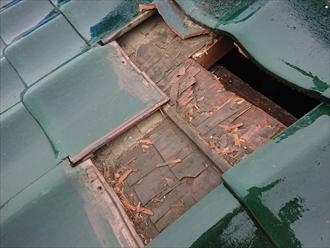 瓦が飛散したと同時に下地もなくなっていた瓦屋根
