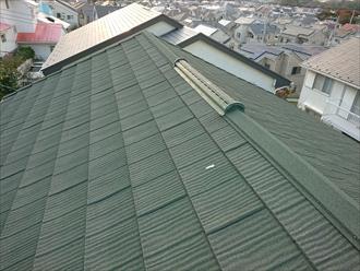 綺麗なエコグラーニ葺きの屋根