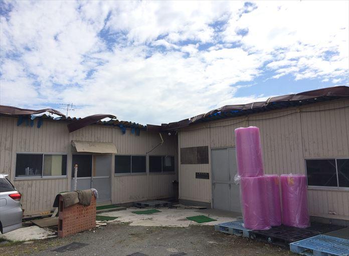 台風15号で折板屋根が被害を受けました