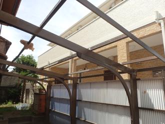 横浜市鶴見区駒岡 カーポートの屋根の波板交換工事