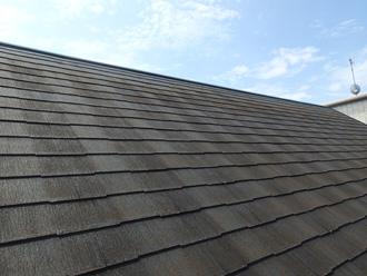 横須賀市坂本町 苔が生えたスレート屋根