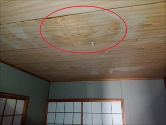 藤沢市湘南台にて雨漏り調査、原因は防水性能が無くなった化粧スレート